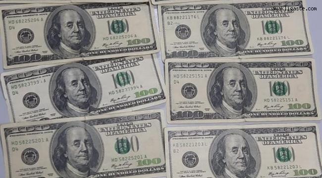 Sahte dolar bozdurmak isteyen şahsı polis engelledi