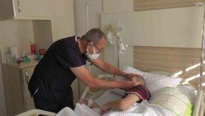 Kayseri Özel Dünyam Hastanesi'nde Down sendromlu hasta başarılı ameliyat ile göz sağlığına kavuştu
